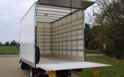 Tips on hiring a medium or large Luton box van