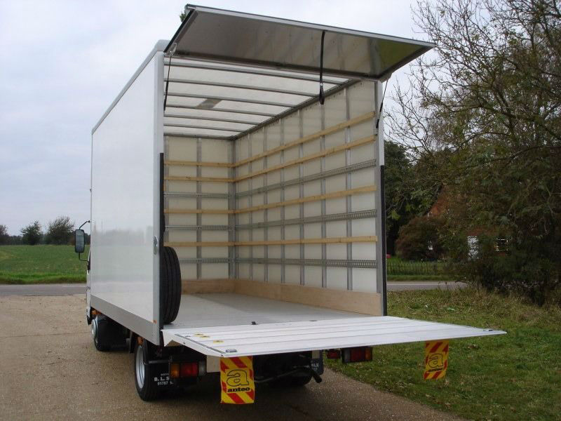 Tips on hiring a medium or large Luton box van